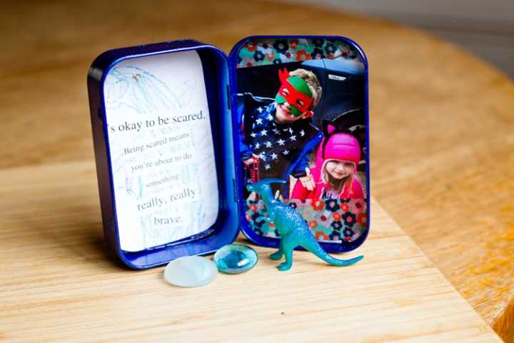"""bravery-in-a-box"" travel photo frame 12 