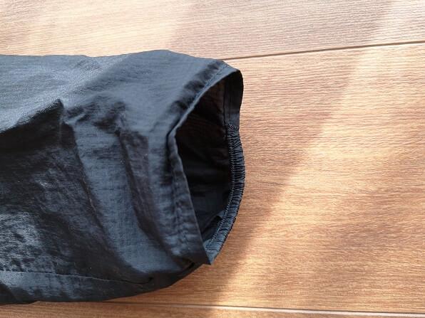 フーディニジャケットのゴム付きの袖口