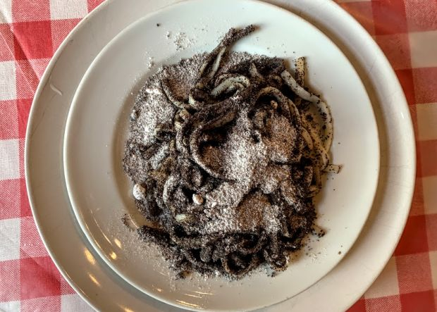 makos-teszta-poppy-seed-noodles-traditional-hungarian-food