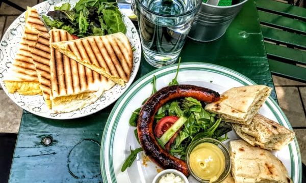 The 17 Hottest Breakfast Places In Budapest, Summer 2019 - Offbeat
