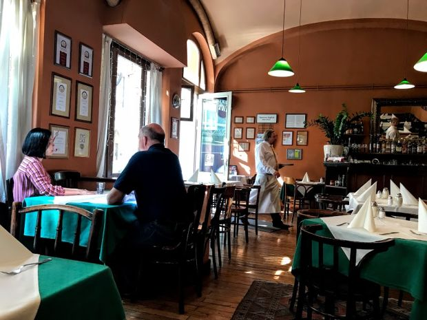 A Beginner's Guide To Budapest's Restaurants - Offbeat Budapest