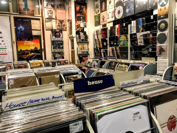 deep-records-store-budapest