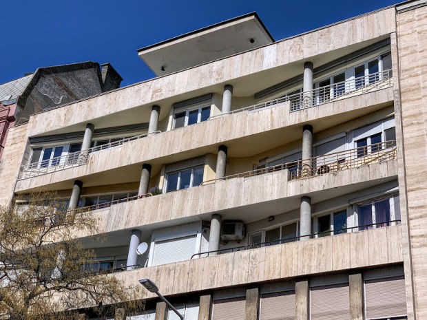 janos-wanner-building-budapest-corbusier