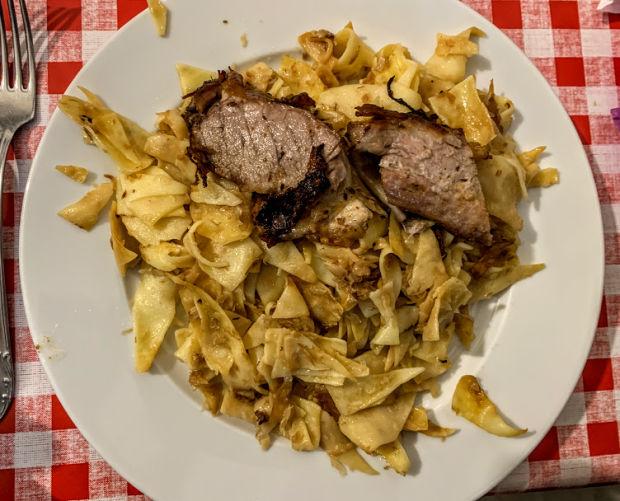 kaposztas-cvekedli-cabbage-noodles-traditional-hungarian-dish