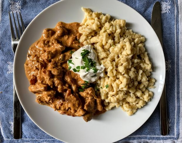 csikos-tokany-hungarian-dish