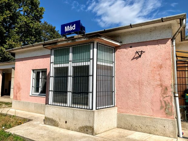 mad-train-station-tokaj