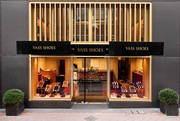 vass-shoes-budapest-store