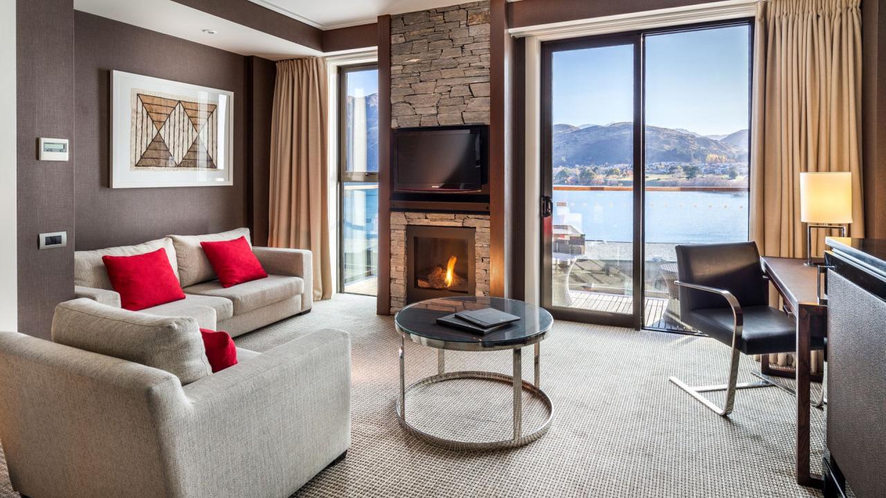 The Hilton Queenstown Resort & Spa, 5-star luxury | Qantas ...