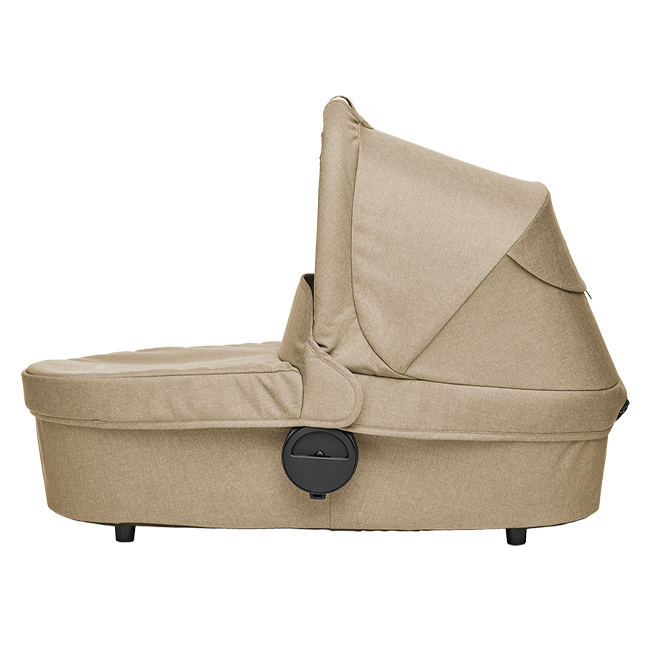 Product information  The Easywalker Harvey Carrycot brings extra warm layers to your child's ride, including all the necessary add-ons to keep them comfortable, no matter the weather. The carrycot can easily be placed on the frame of your Harvey stroller. The mattress and mattress cover are breathable throughout for extra comfort. A soft washable inner lining keeps your baby cozy and protected.