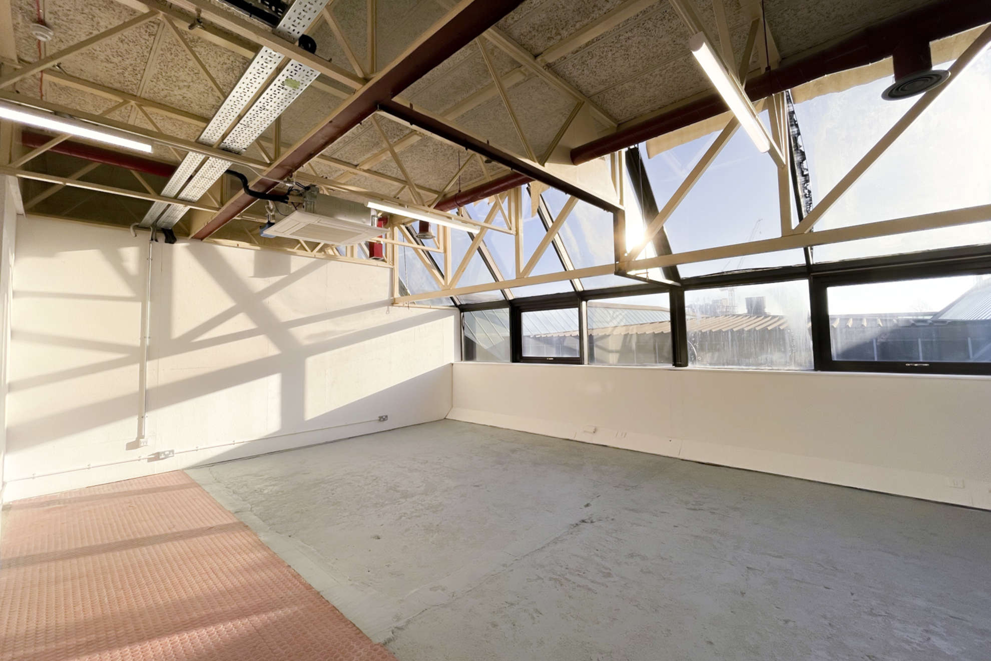 Hackney-Depot-White-Studio-London-20