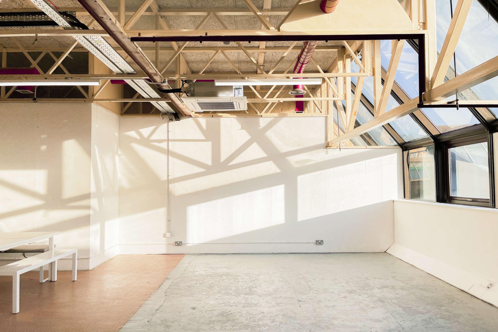Hackney-Depot-White-Studio-London-11