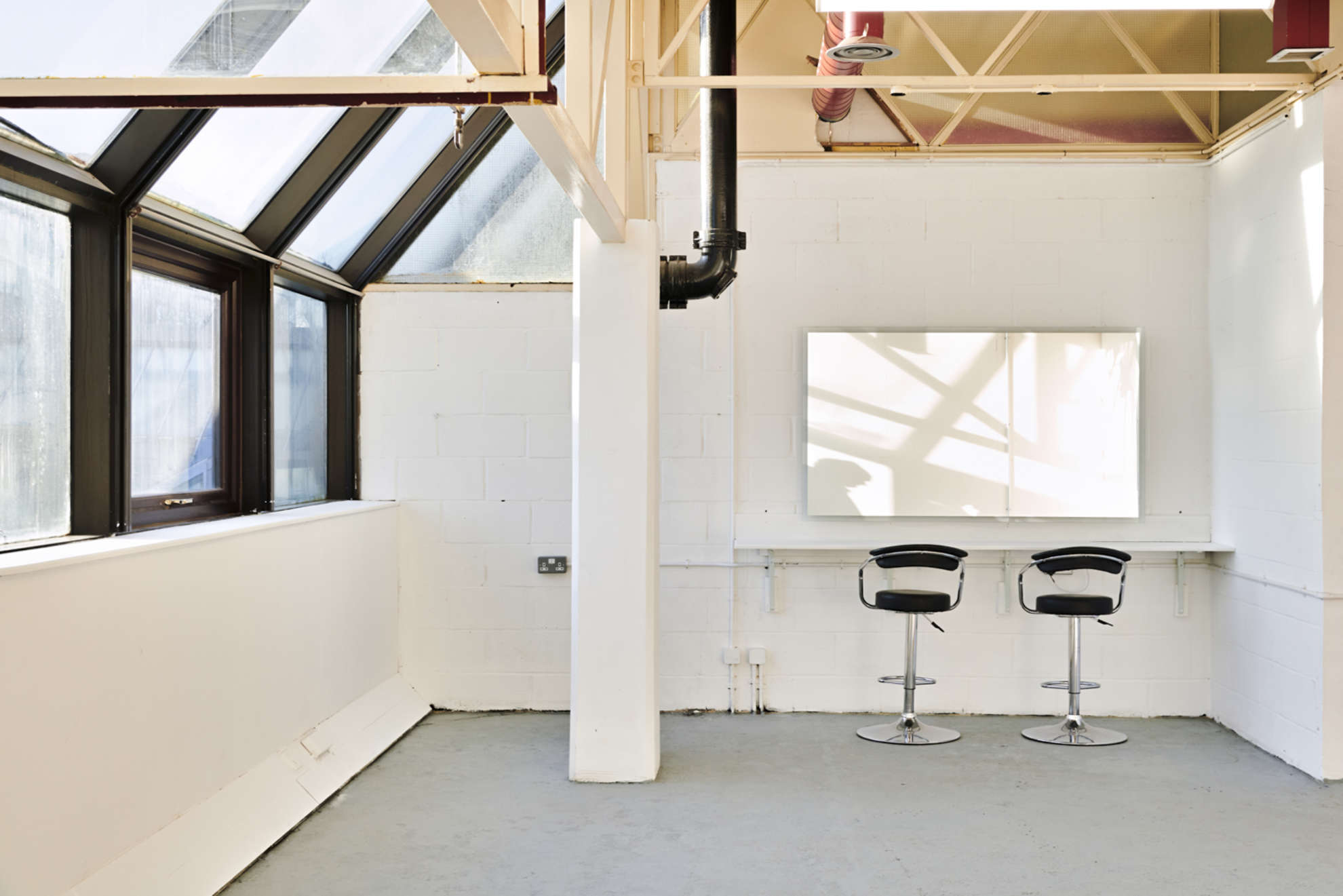 Hackney-Depot-White-Studio-London-10