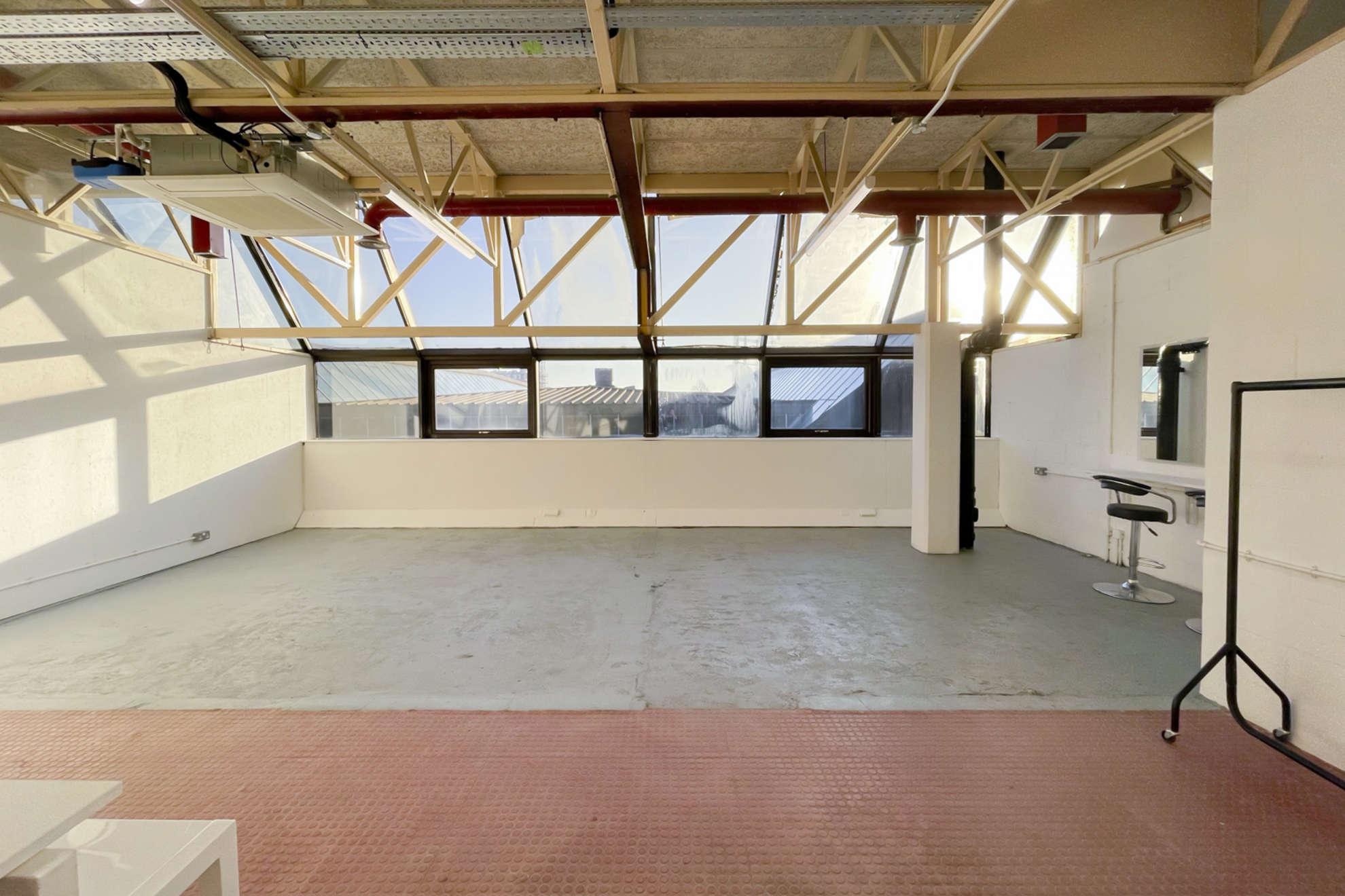 Hackney-Depot-White-Studio-London-9