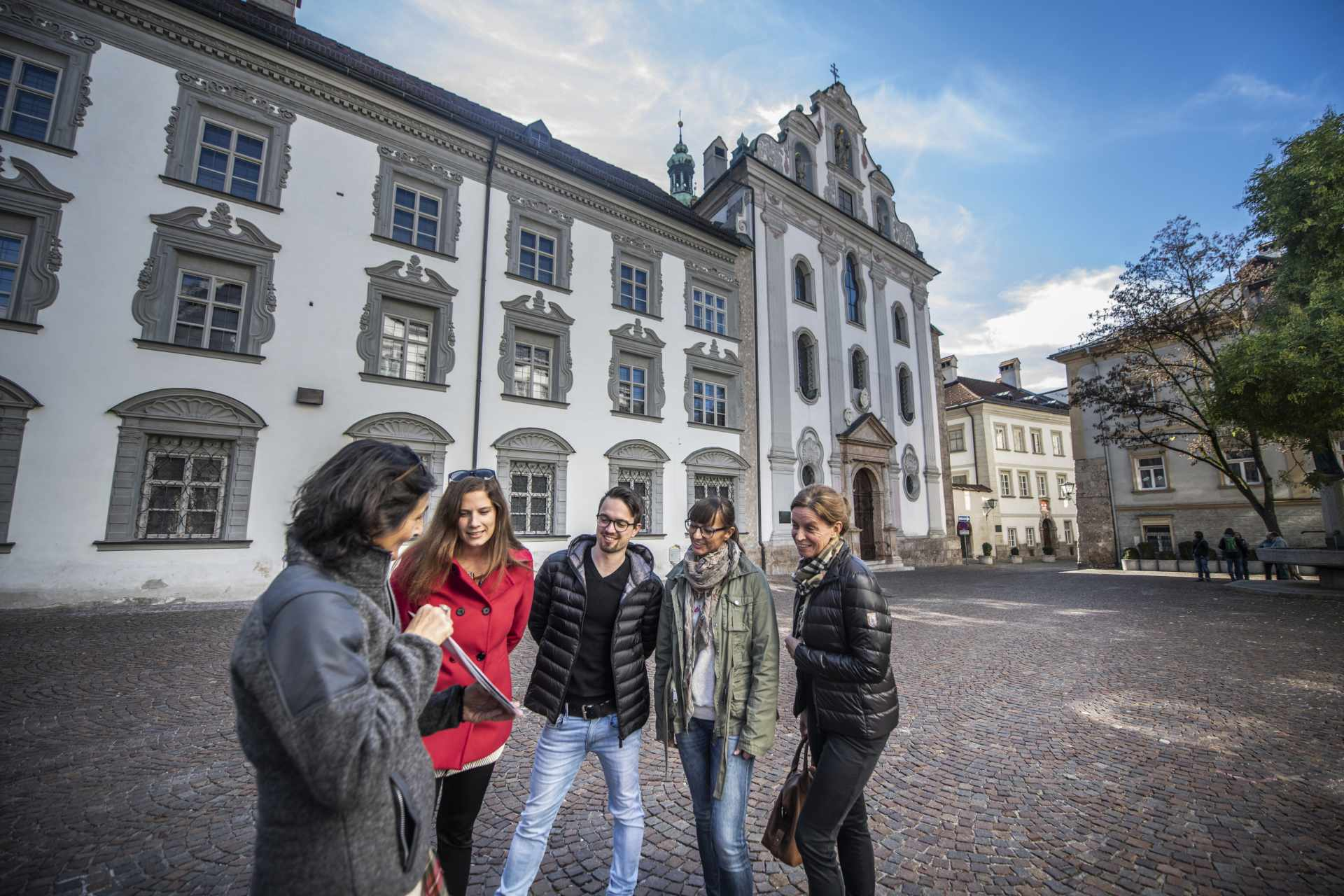 Guided City Tour Hall - Adventure with myZillertal.app