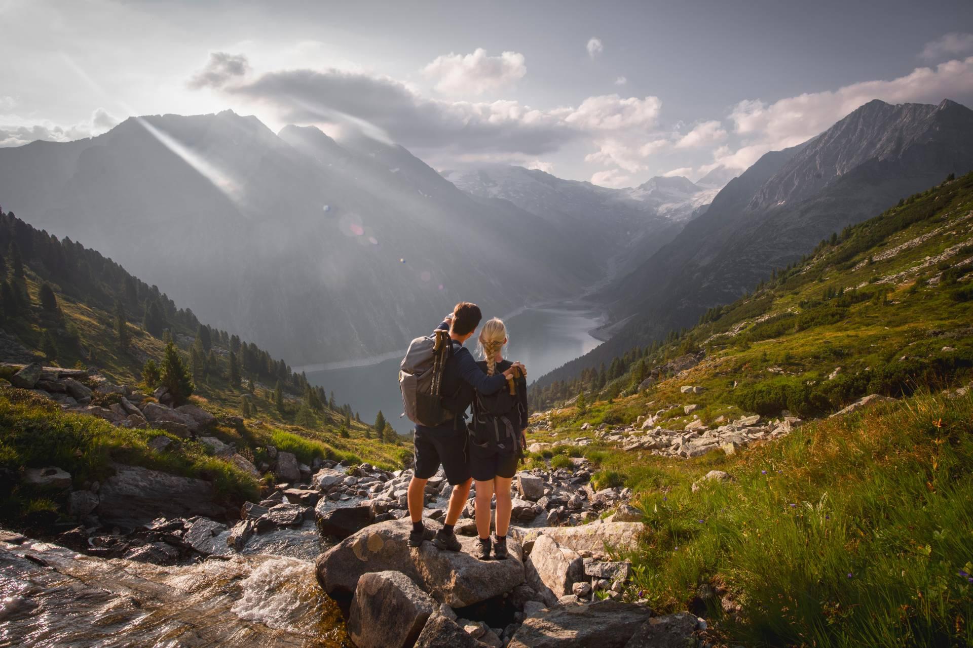 Wanderung zur Olperer Hütte - Blick auf den Schlegeis Stausee