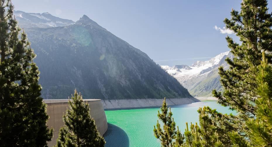 Adrenalin pur erlebst du am Schlegeis131 beim Flying Fox oder Giant Swing sowie an der Abseilstation und am Klettersteig.