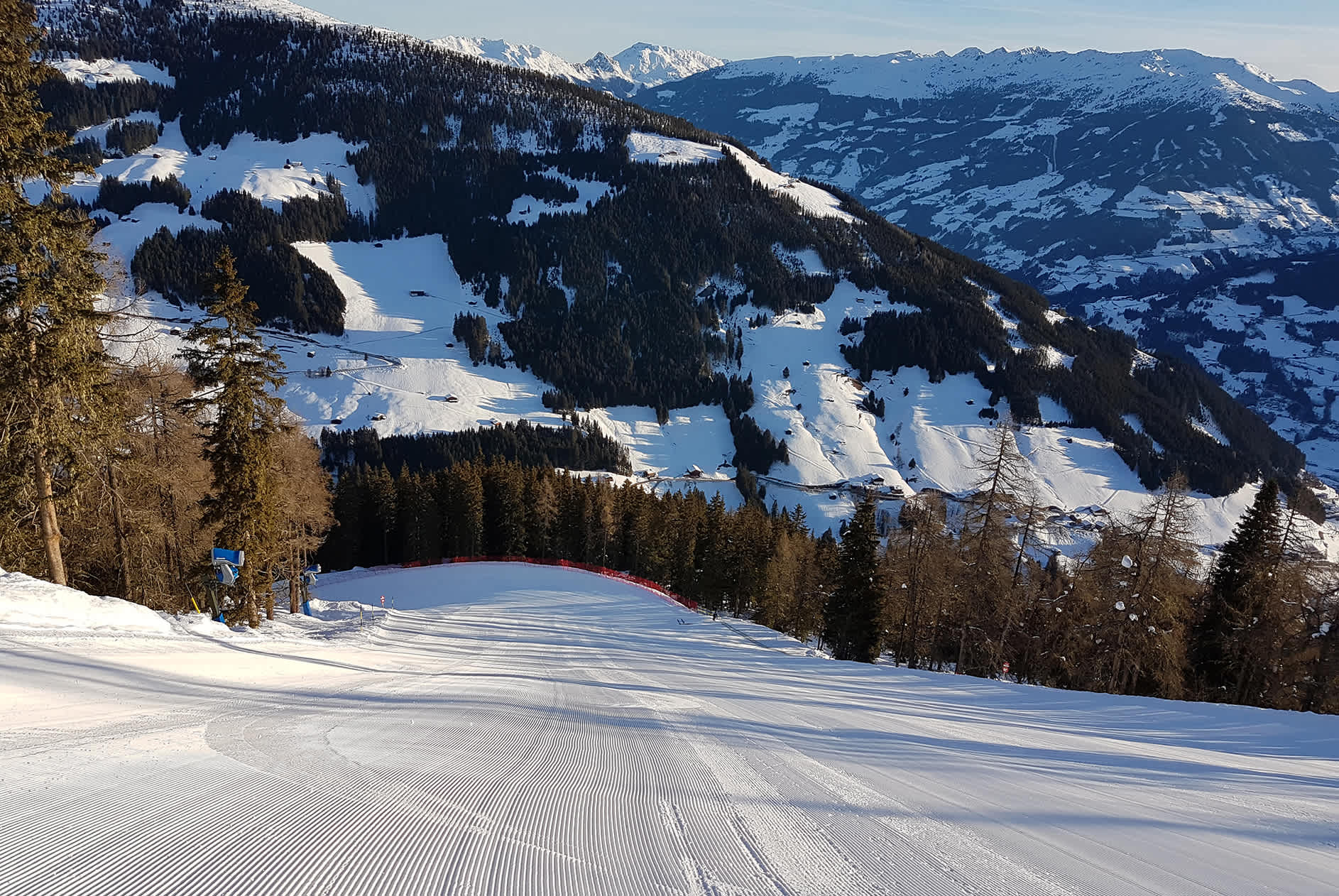 Video recording and racy piste pleasure in Mayrhofen