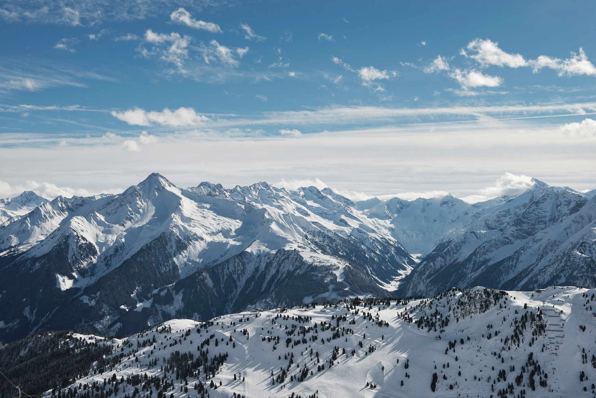 Winter in Mayrhofen's Mountains with a breathtaking view.