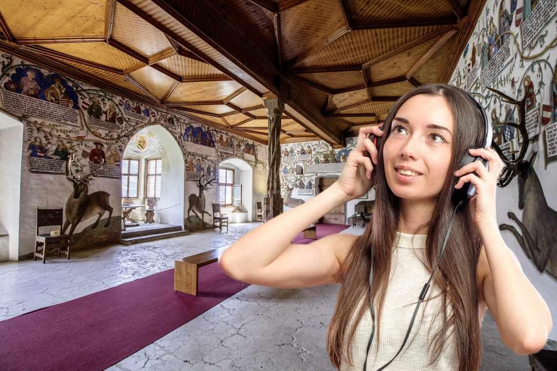 Du lernst das Schloss mittels eines unterhaltsamen und spannenden Hörspiels kennen. Die originelle Erlebnisführung zeigt dir das gesamte Schloss und lässt dich in jedem Raum etwas Neues entdecken.