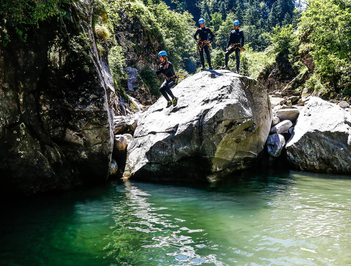 Gruppe bei einer Canyoningtour
