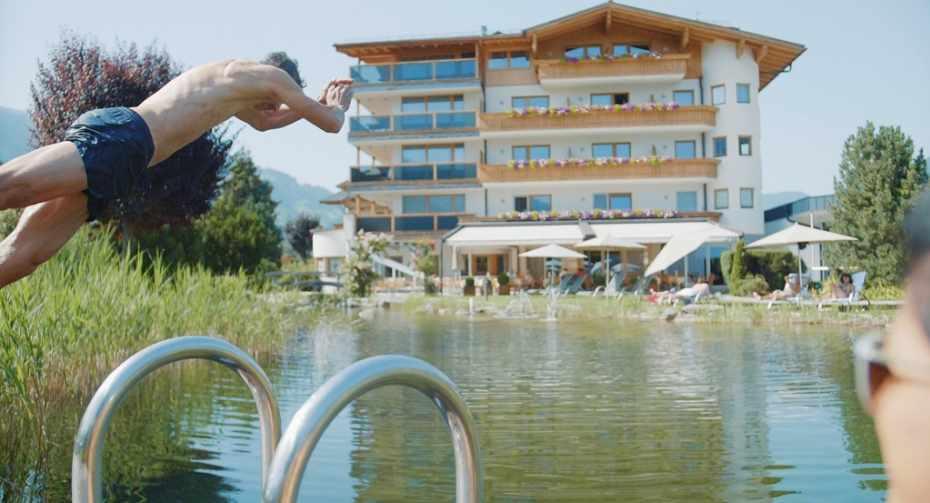 Hotel_Held_2021_Teich_SMALL.jpg