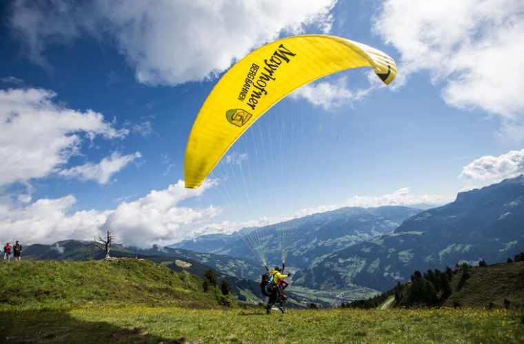 Sunshine Flight - Flugtaxi Mayrhofen