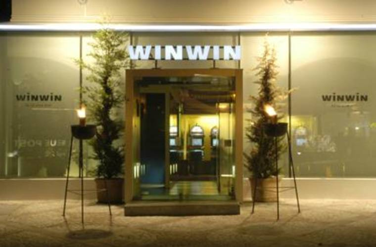 WINWIN- Cafe, Bar & Spiel