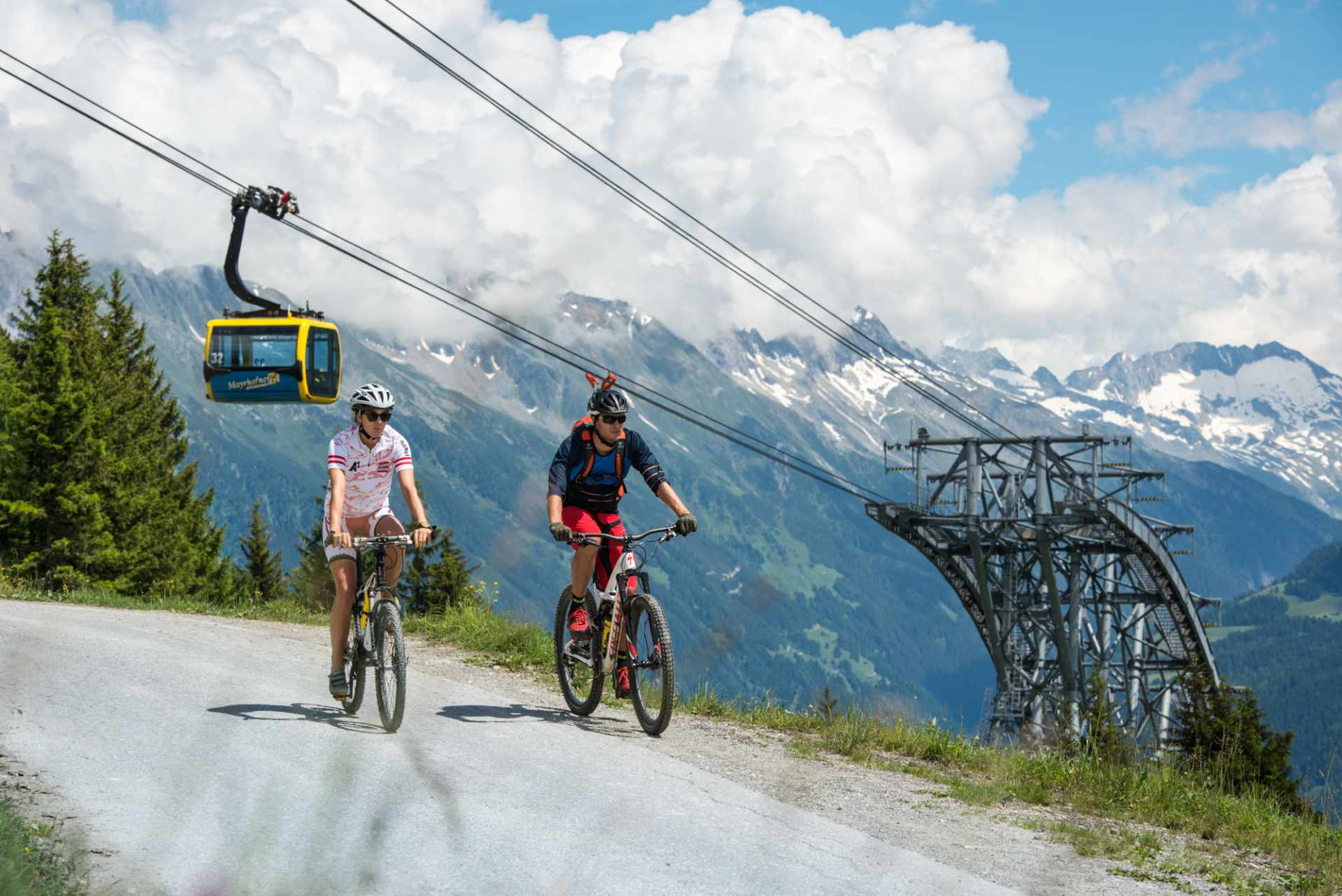 Bike tour with magnificent mountain panorama