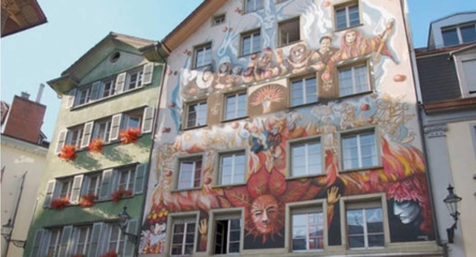 Von Fassadenmalereien zu Wortspielen Editieren.jpg