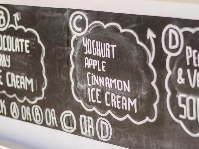 Eiswagen mieten in Berlin: Cocktails am Stiel und leckere Eiskreationen für dein Team