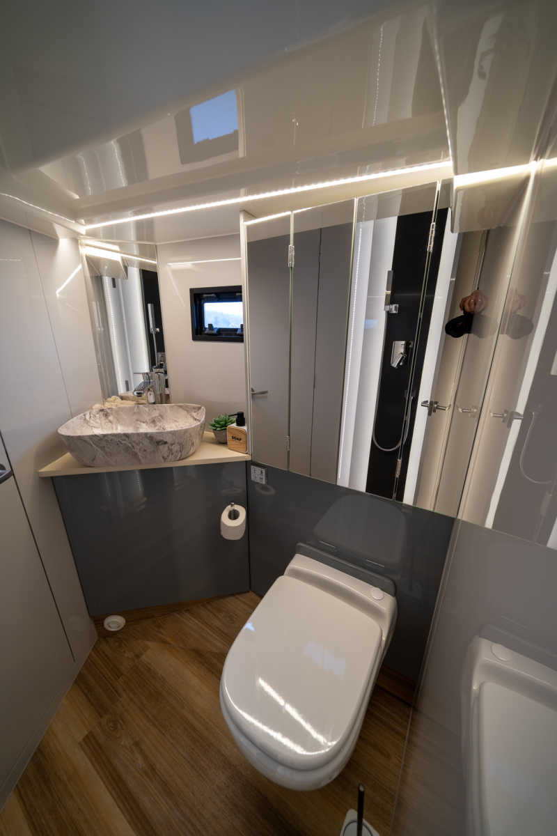 Bathroom on the Seamster 45 houseboat