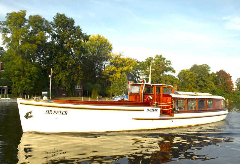 Rent Berlin's most beautiful luxury yacht Sir Peter at Berlin boat rental