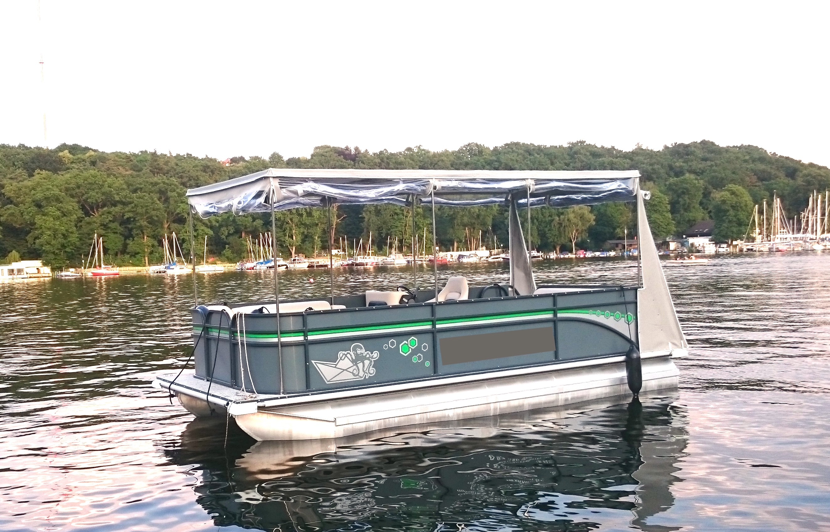 Partypontoon Wanda | no license required