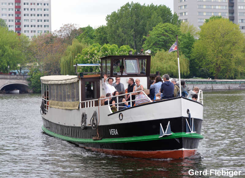 Party ship Vera on a boat trip in front of Fischerinsel with guests on board