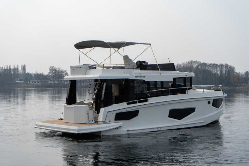 Book the houseboat Seamster 45 at Berlin boat rental