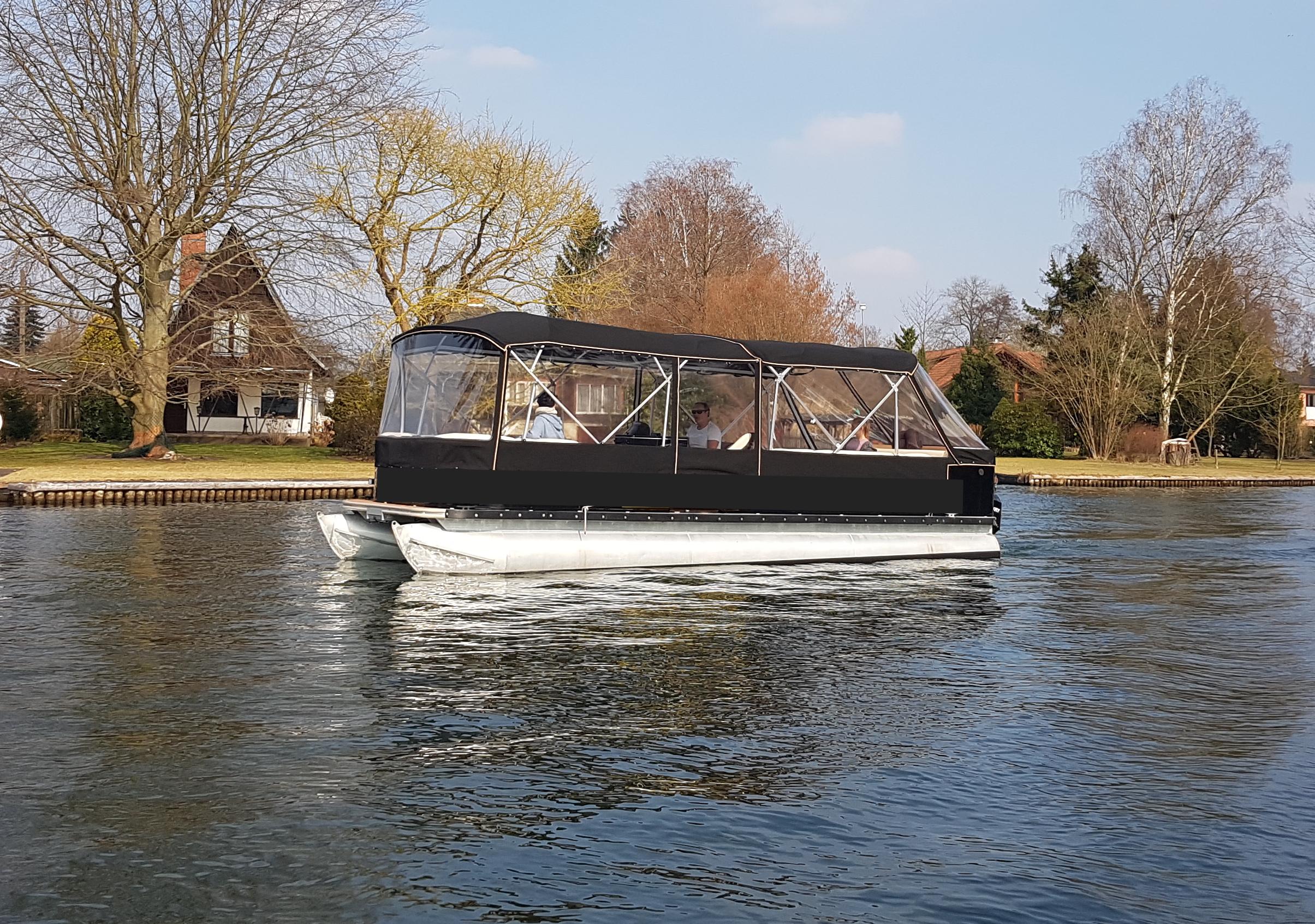 berlin bootsverleih mietboote schiff flo und boot mieten gr nau. Black Bedroom Furniture Sets. Home Design Ideas