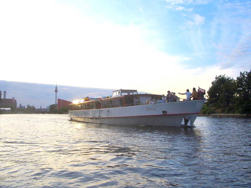 The event ship Stralau in the sunset on the Spree