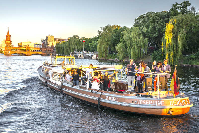 Party ship Josephine on a boat tour through Berlin
