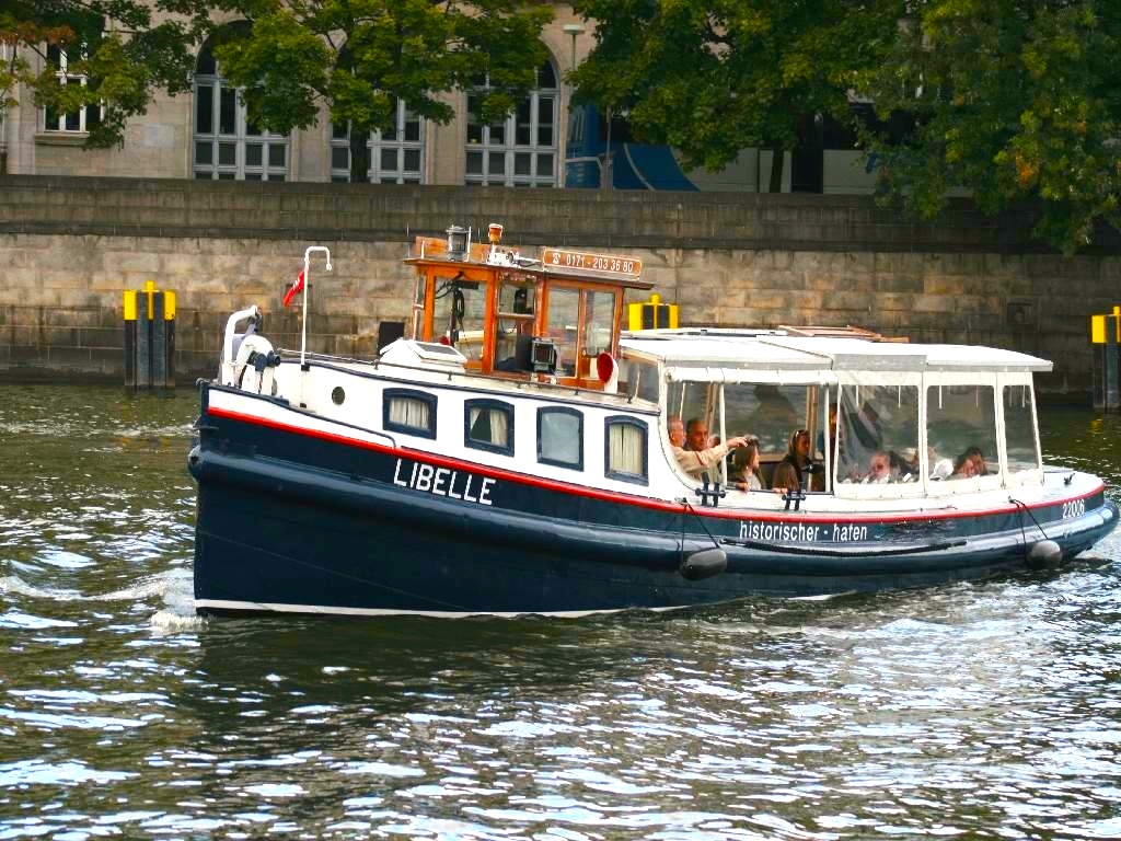 Sightseeing Boat Libelle |  Berlin sightseeing