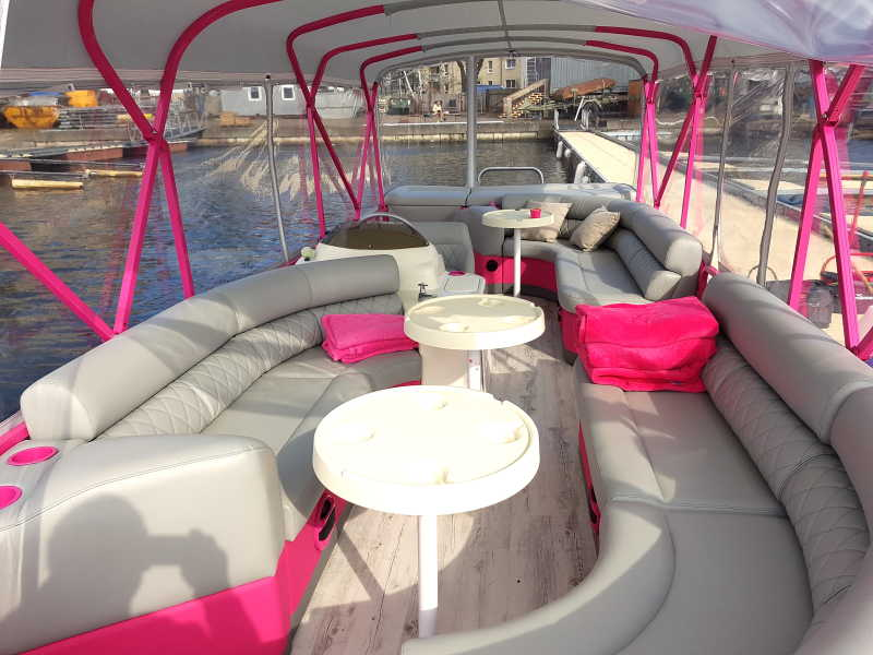 Lounge on the pink boat Wedding