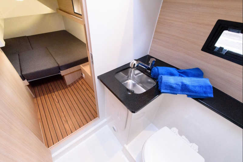 Bathroom on the houseboat Arndt