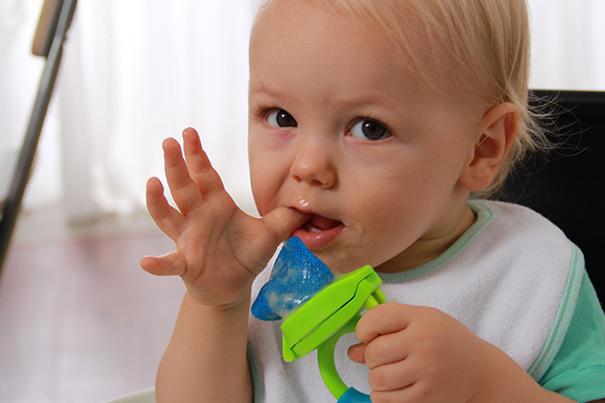 Cómo aliviar a dolor de tu bebé en etapa de dentición