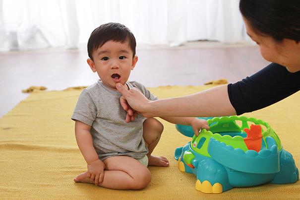 ¿Qué hacer si mi bebé pierde un diente de un golpe?