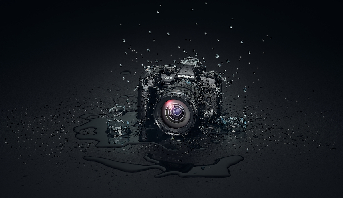 OM-D_E-M1_Mark_III_EZ-M1240_PRO_Splash_BLK_Background__Product_010.jpg