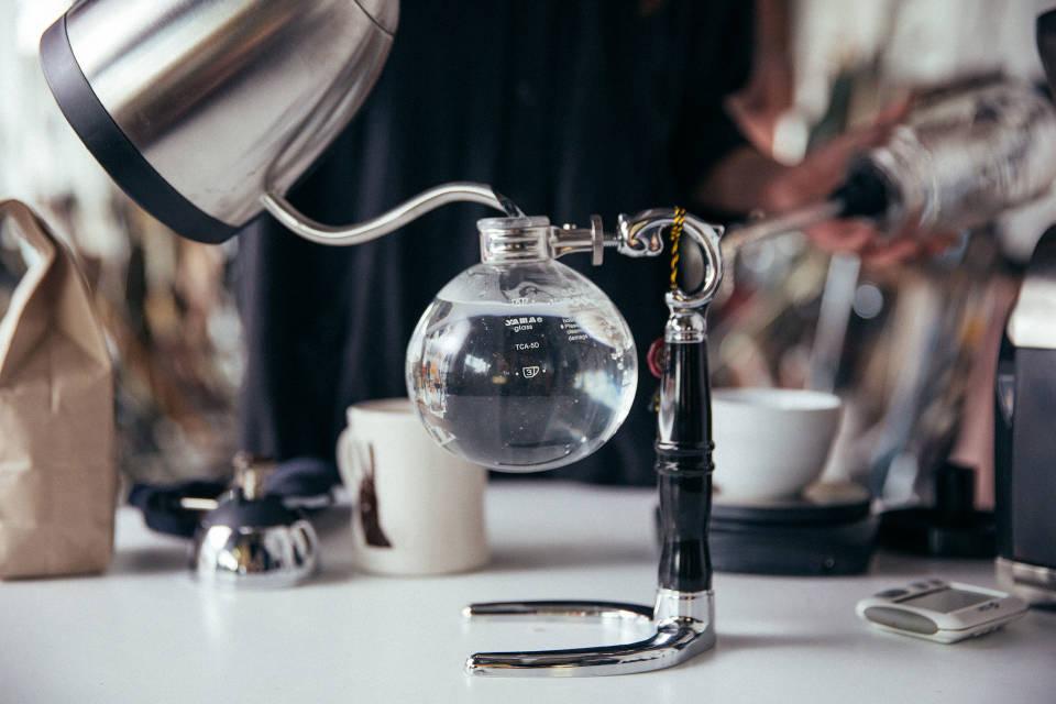 Brew with Vacuum Pot | Stumptown Coffee Roasters