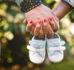 Как объявить о своей беременности: 10 идей для забавных карточек