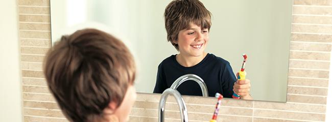 Как ухаживать за молочными зубами ребенка