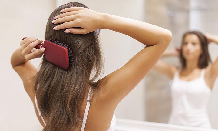 Нормально ли выпадение волос после родов?