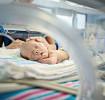 Краткий справочник для родителей: распространенные нарушения здоровья у недоношенных малышей и методы их лечения в отделении интенсивной терапии для новорожденных