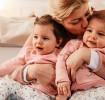 Мама с однояйцевыми близнецами